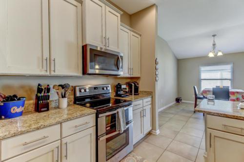 95209 Leafcrest Ct Fernandina-print-020-54-Kitchen-3388x2259-300dpi