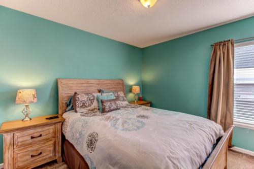 95209 Leafcrest Ct Fernandina-print-032-14-Guest Bedroom-3456x2304-300dpi